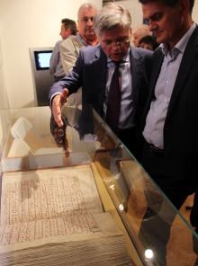 """Otwarcie wystawy """"Średniowieczne skarby Kielc"""""""