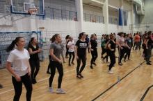Mikołajkowy fitness w Uniwersyteckim Centrum Sportu UJK